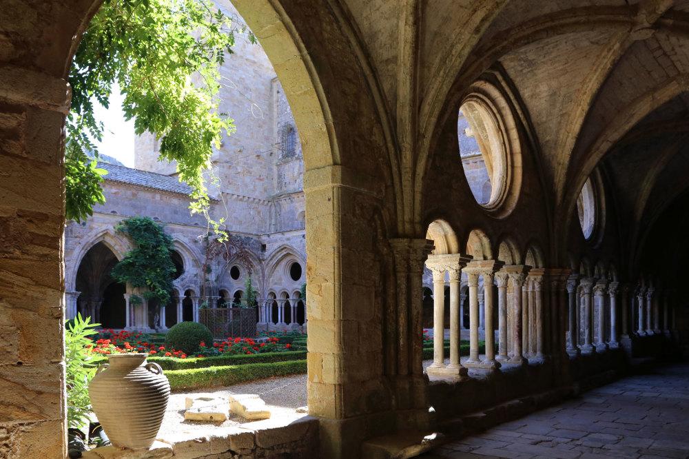 Le cloitre de l'abbaye de Fontfroide