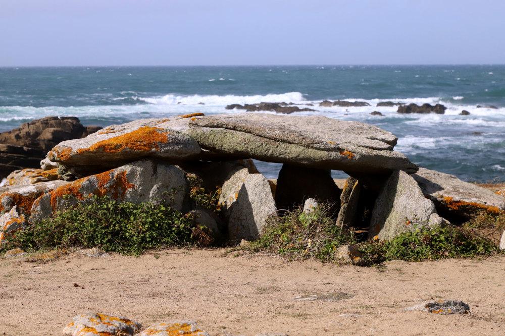 Le dolmen de la planche aux puares