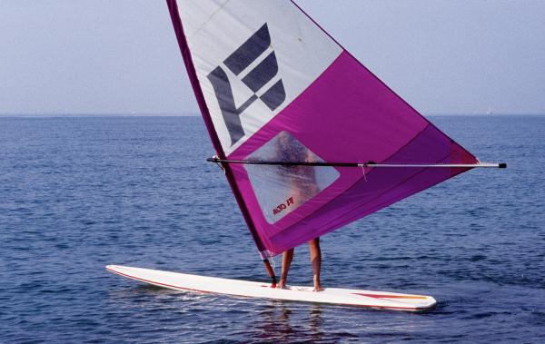 Planche à voile sur la cote catalane