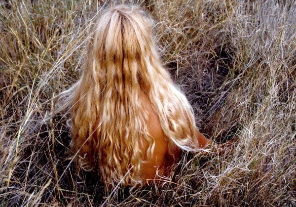Portrait de jeune fille en fleur