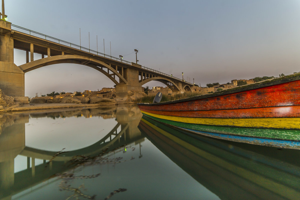 Rainbow boat & Old bridge