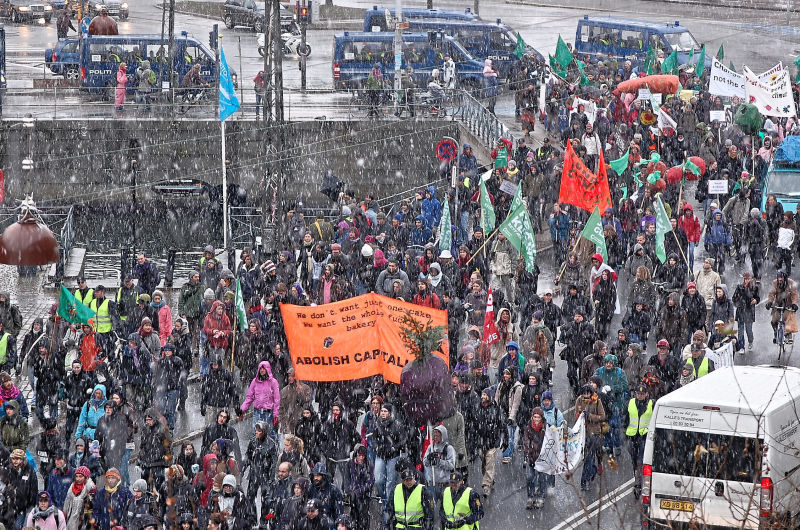 COP15 - Climate demonstration in snowy weater