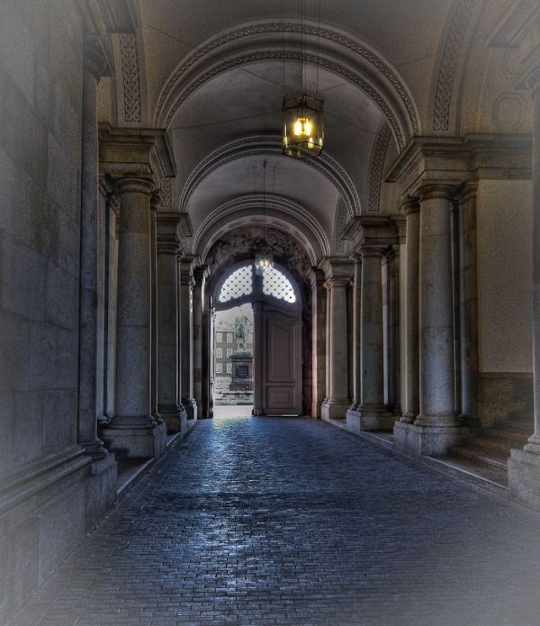 Passage through Christiansborg in morning light