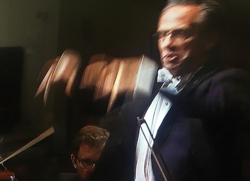 Fabio Luisi conducting