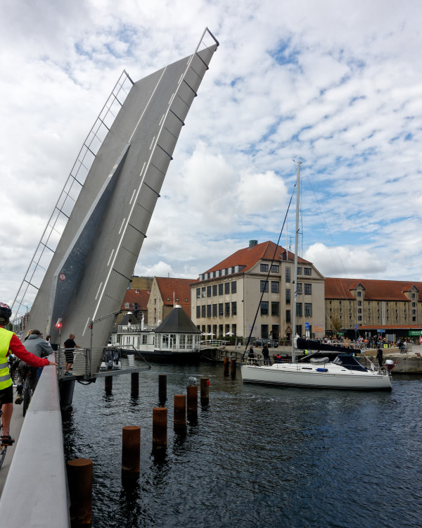 Pedestrian/bicycle bridge open to sailors