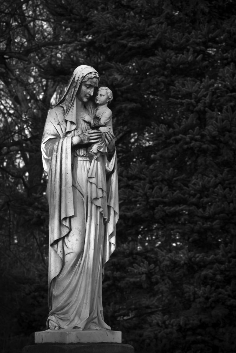 Statue of Mary and the Child Jesus