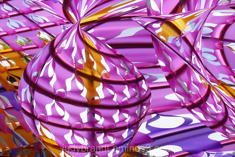 Colourful plastic structure distortion