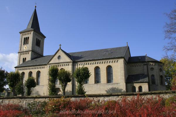 Die Kirche Mariä-Geburt, Winzenburg.