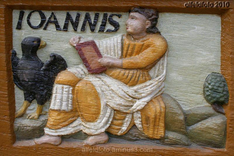 IOANNIS, Schnitzerei an der Lateinschule Alfeld