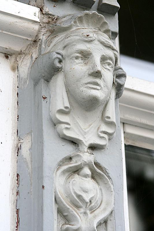Detail eines Türrahmens in Alfeld (Leine)