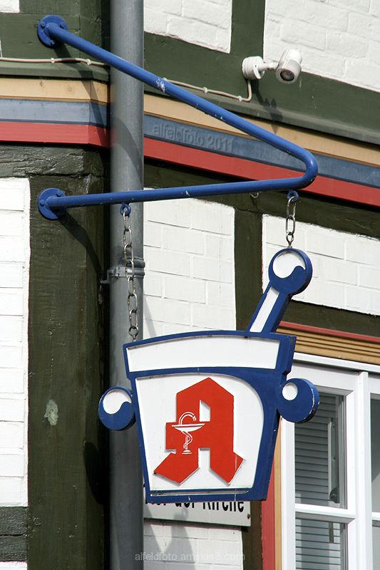 Schild der Stadtapotheke in Alfeld (Leine)