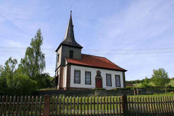 Kirche in Röllinghausen im Leinebergland