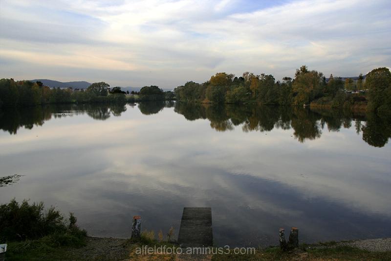 Herbstlicher Humboldtsee im Leinebergland