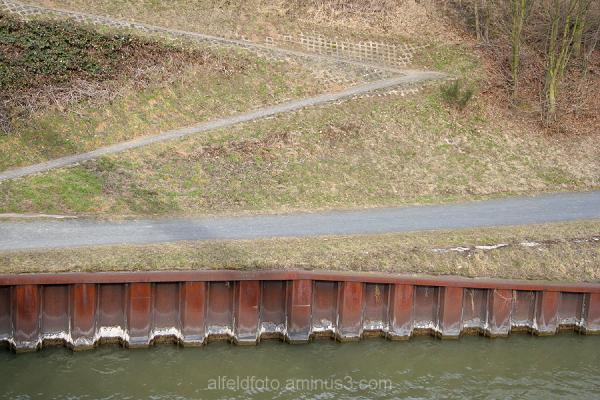 Weg zum Mittellandkanal bei Peine