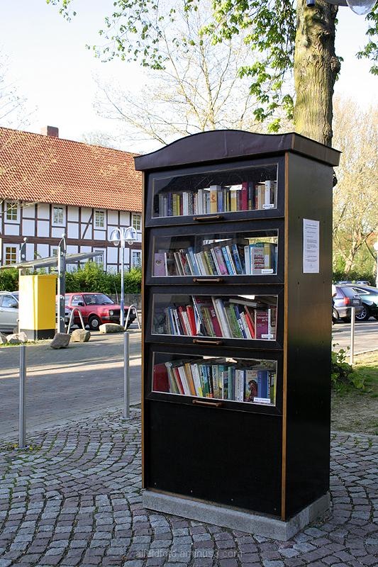 Öffentlicher Bücherschrank in Alfeld (Leine)