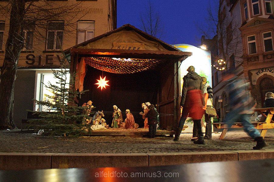 Krippe auf dem Alfelder Weihnachtsmarkt