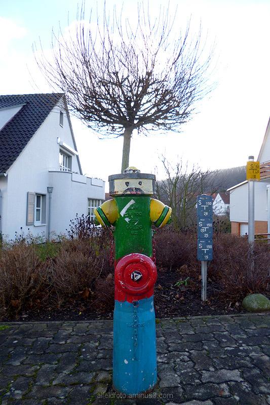 Bemalter Hydrant in Dehnsen im Leinebergland