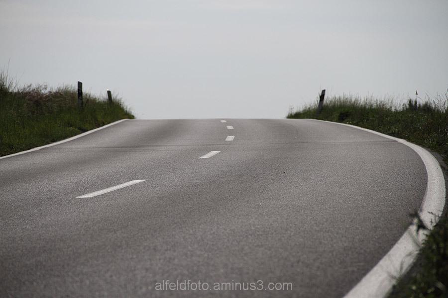 Straße bei Hohenbüchen im Leinebergland