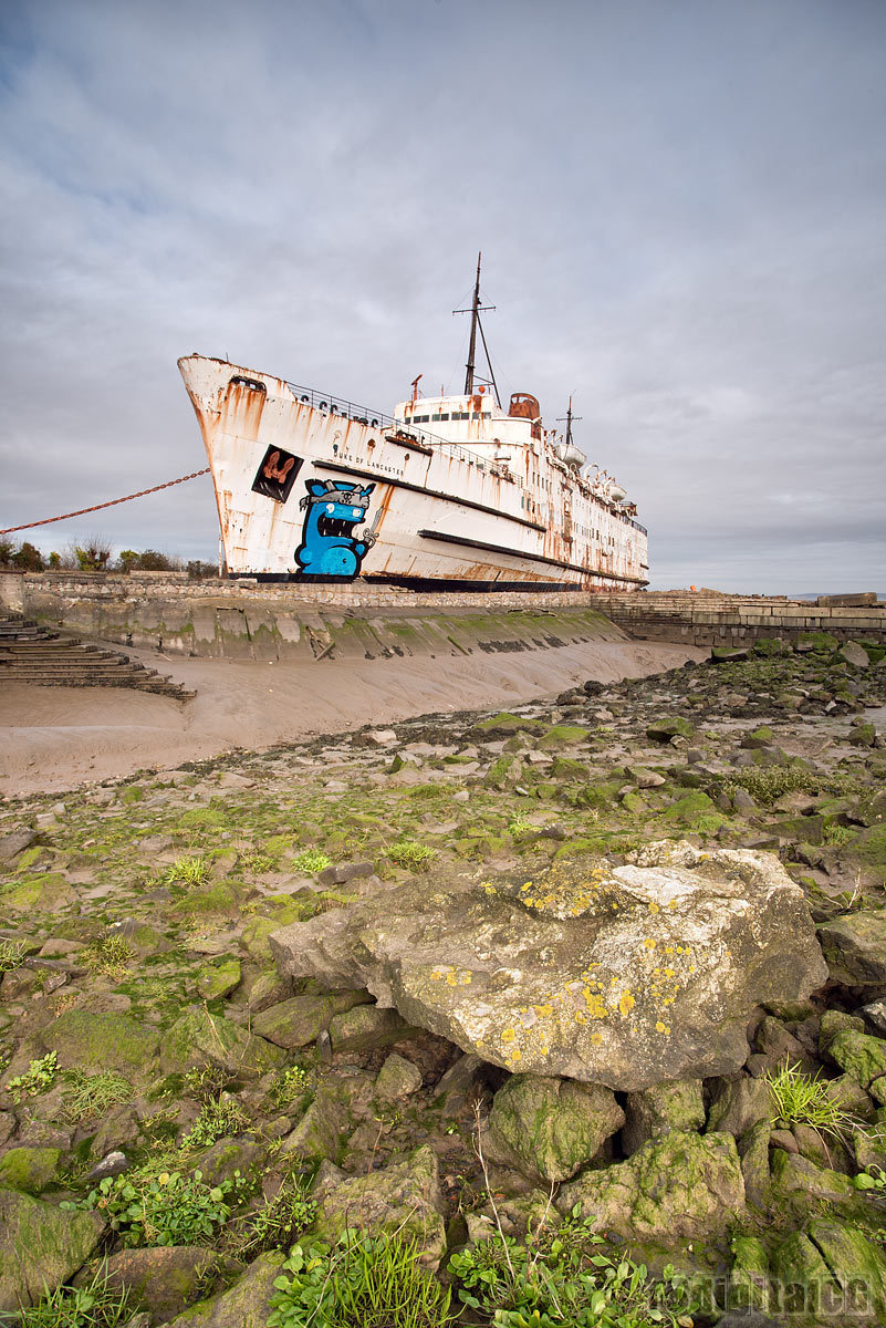 POTW13#07 - Graffiti Boat