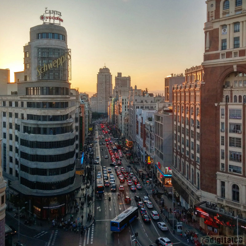 Mobile Month - Gran Via, Madrid
