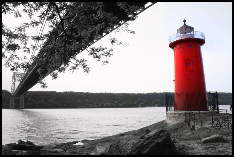 Red lighthouse near George Washington Bridge in NY