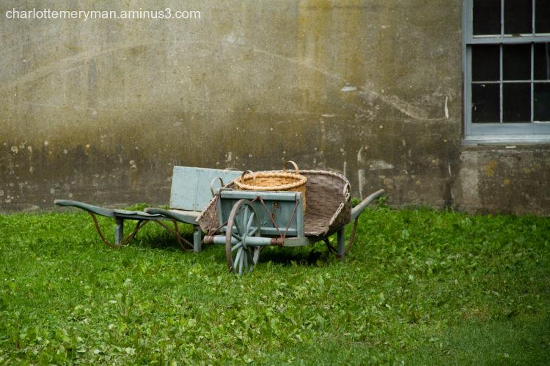 Shaker wheelbarrows
