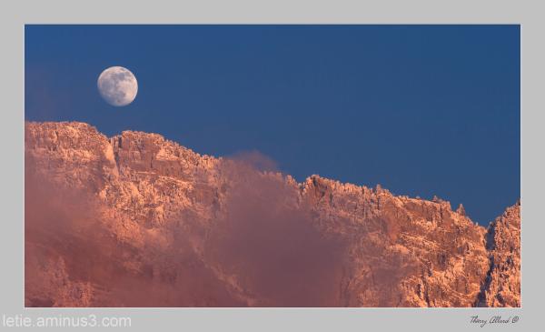 coucher de lune sur les Bannettes