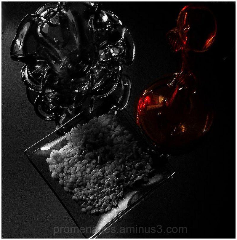 vases en rouge et noir