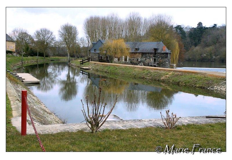 La Mayenne à Chenillé Changé