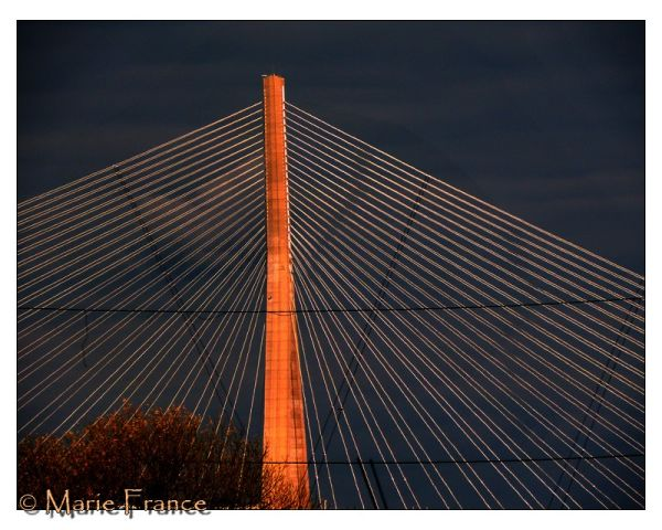 une partie du pont de normandie avec effets