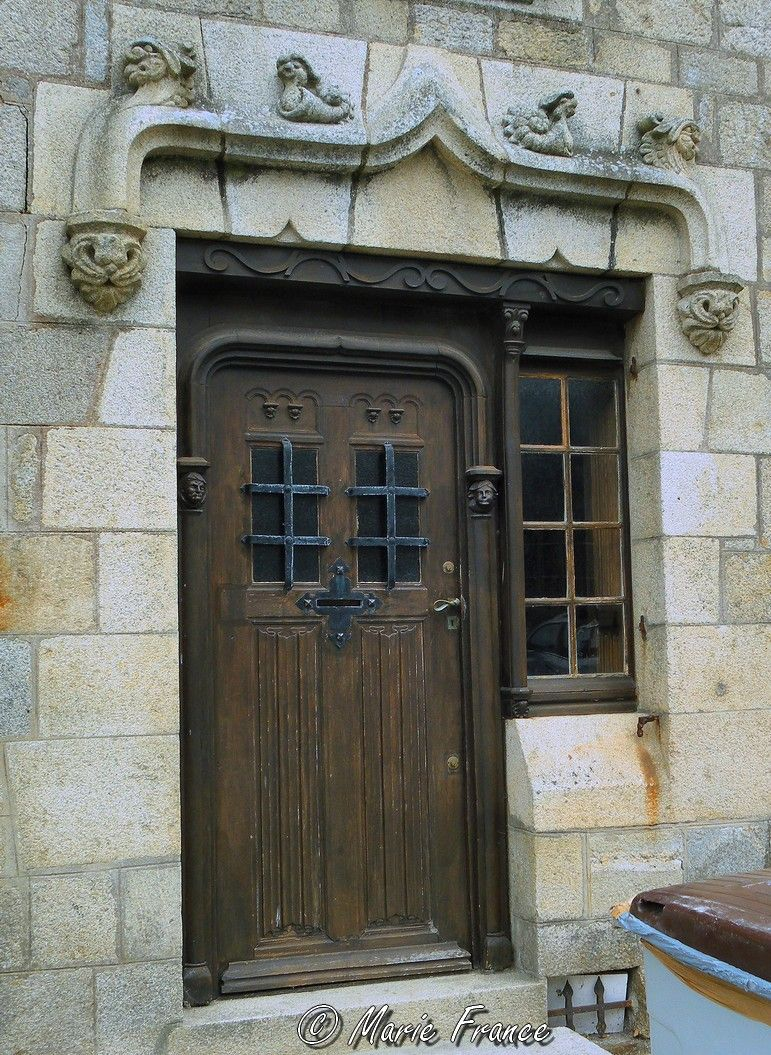 Porte d'entrée d'une maison de Roscoff