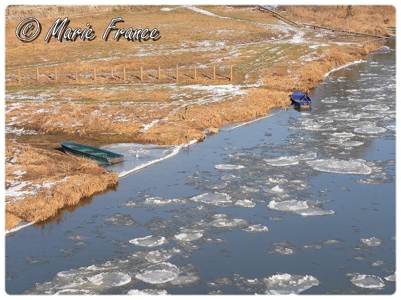 Paysage : la Loire et ses barques en février