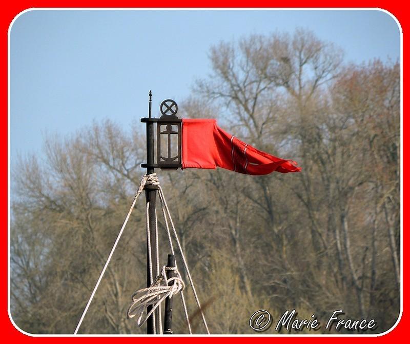 pavillon sur bateau de Loire