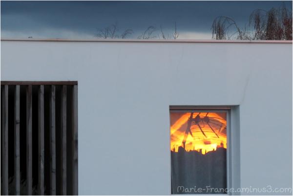 reflet du soleil dans une fenêtre...