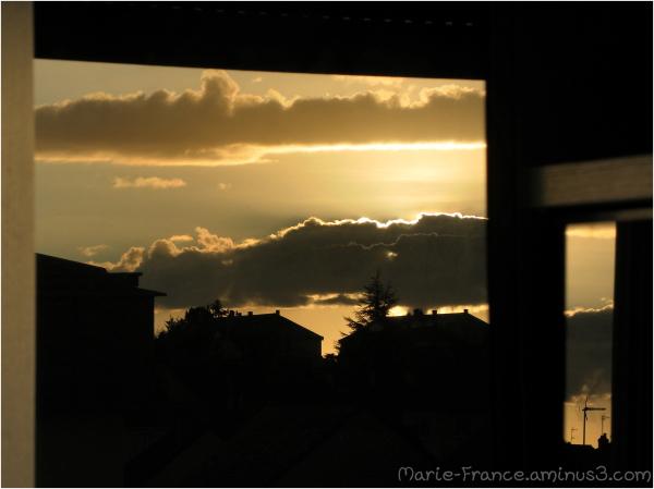 Ciel à contre jour et reflet