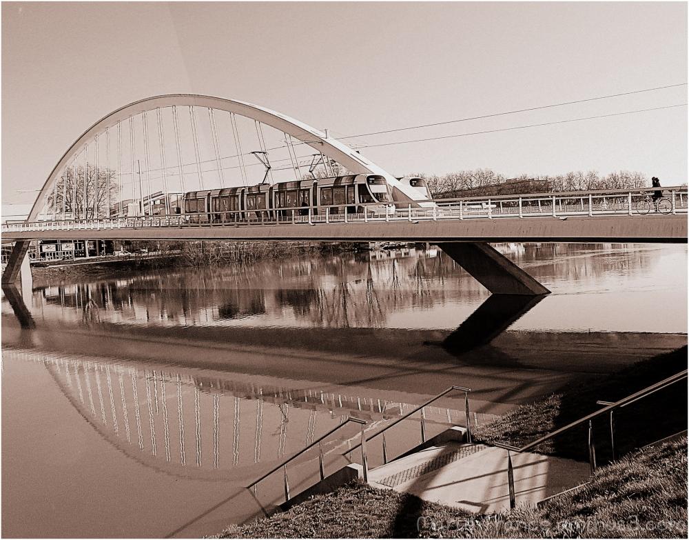 pont Confluence à Angers