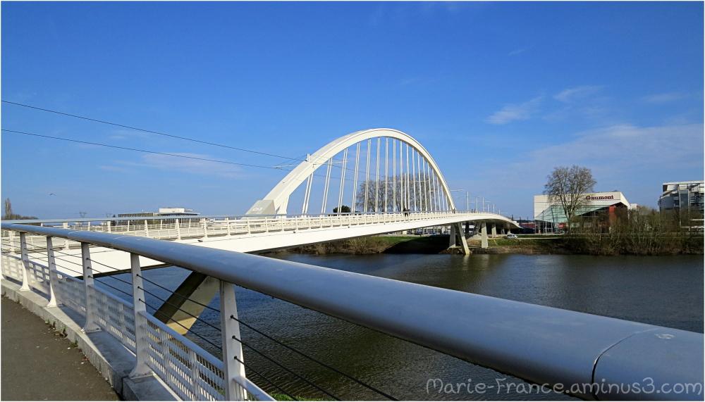 le pont du tramway à Angers !