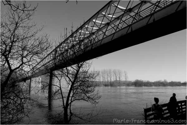 Pont de fer près d'Angers
