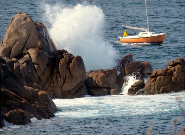 bateau et  vague