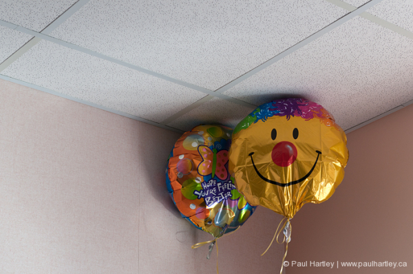 balloons in hospital near ceiling