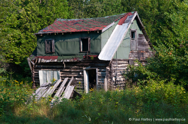 abandoned home ontario