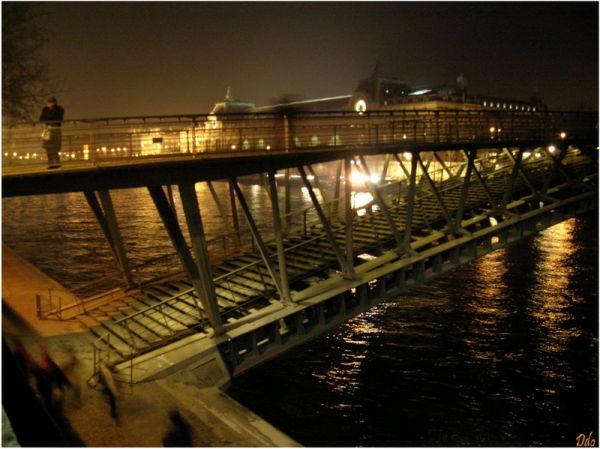 pont sur la Seine  Paris la nuit