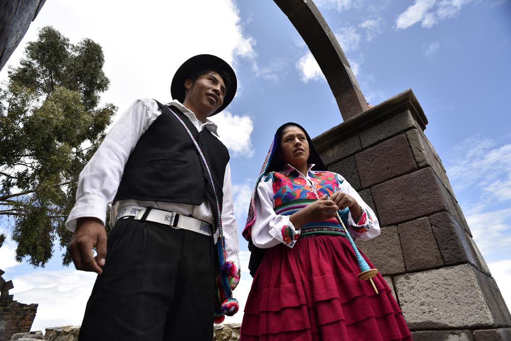 Lisandro and Rosalia