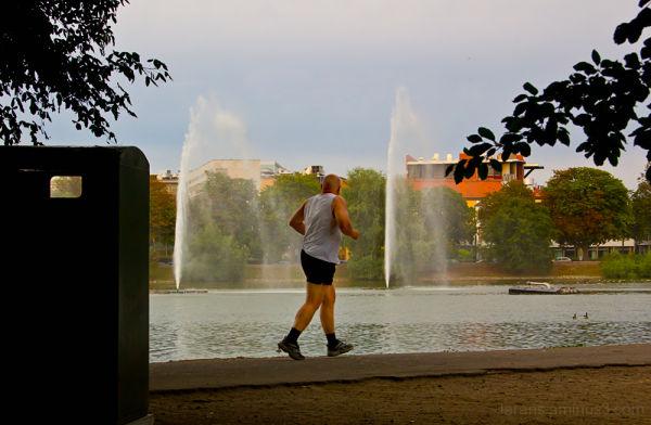 The Jogger (Photowalk Malmö 2010:4 *)