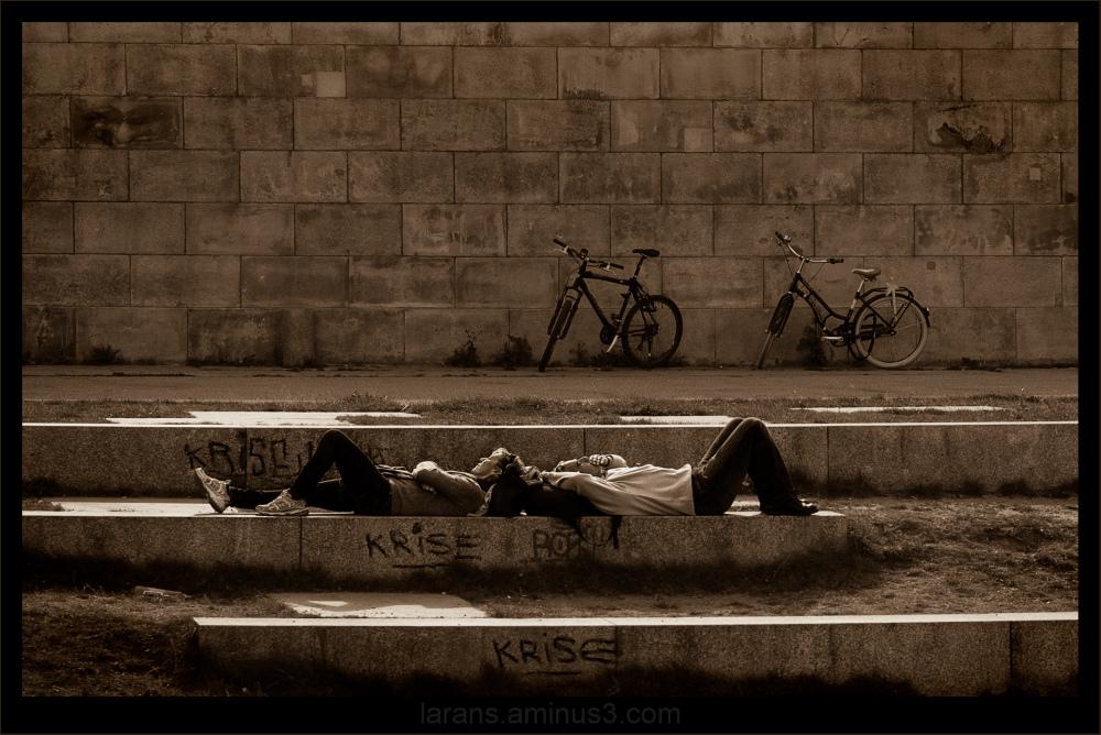 ...crisis - who cares?...