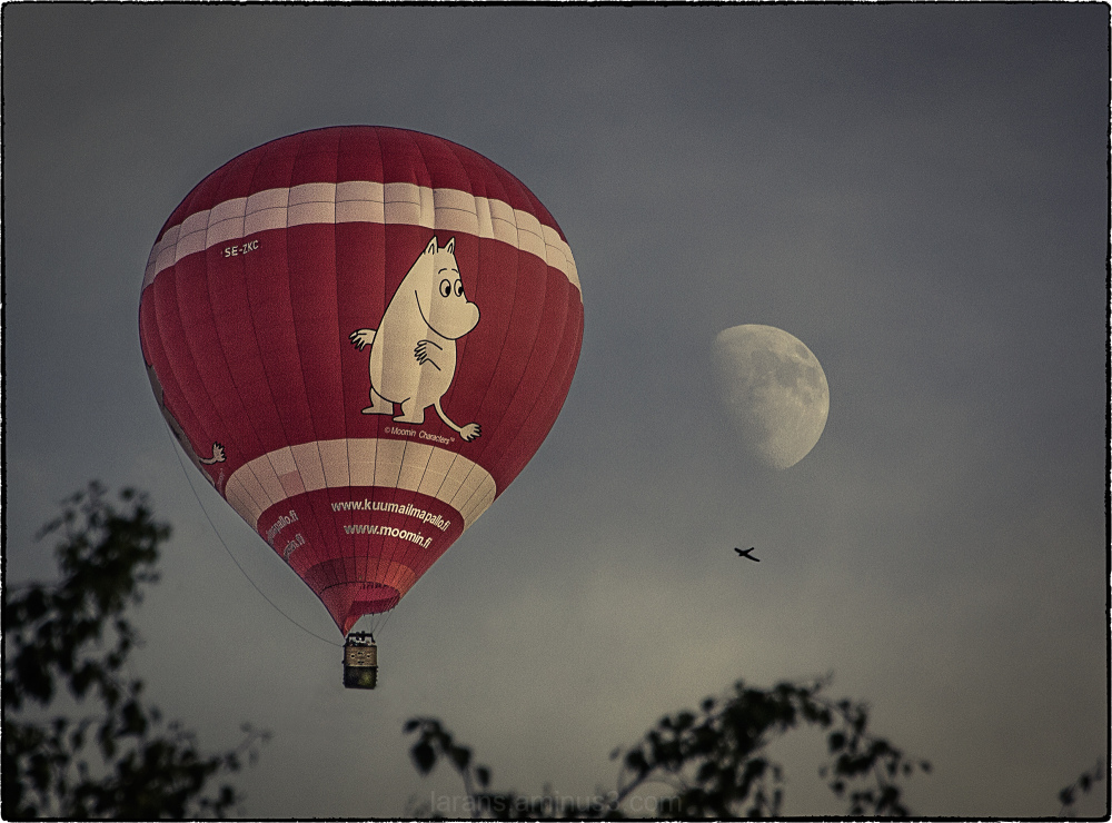 ...fly me to the moon...