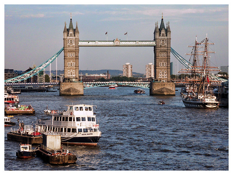 The Thames  And The Tower Bridge