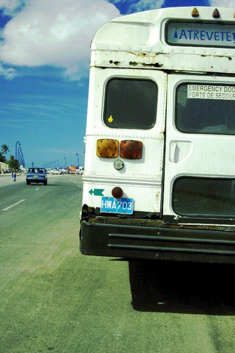 old bus on malecon, habana