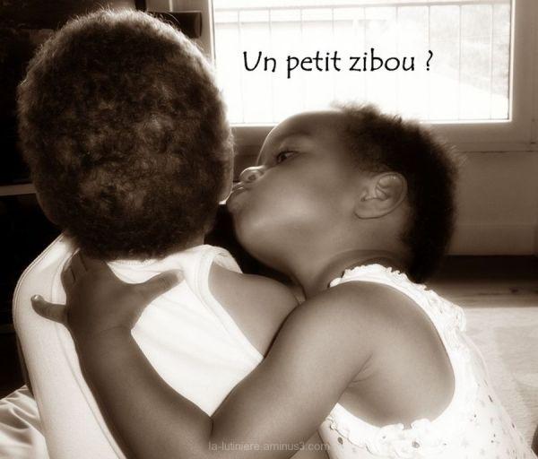 """Le bisou (sépia) - """"Un petit zibou ?"""""""