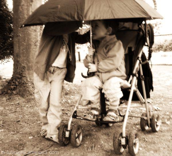 Concilia-bulle sous parapluie (sans texte)